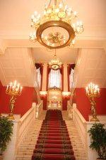 Как снять банкетный зал в аристократическом стиле?