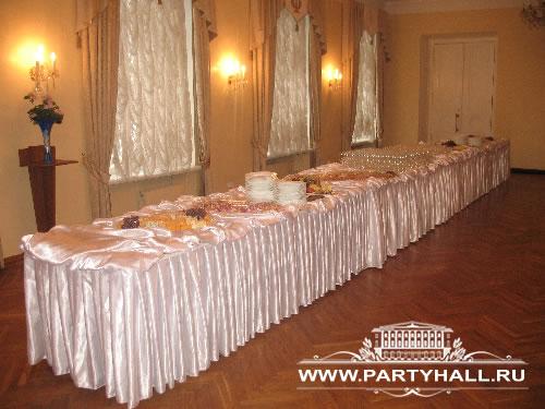 Белая гостиная - один из лучших банкетных залов Москвы