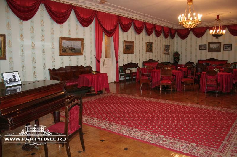 Зал с роялем