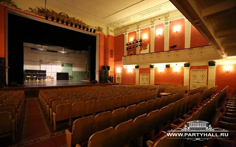 Зал с роялем до 1000 человек